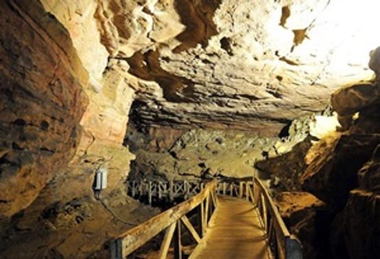 Cehennemağzı Mağaraları'na ziyaretçi akını