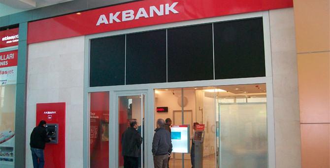 Akbank'tan 2.4 milyar lira net kâr