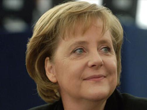 Merkel yeniden başkan seçildi