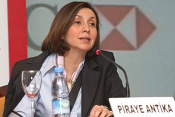 Piraye Antika, HSBC Bank yönetim kurulunda
