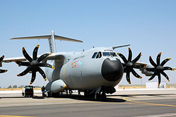 Airbus, ilk A400M uçağını 2013'te teslim edecek