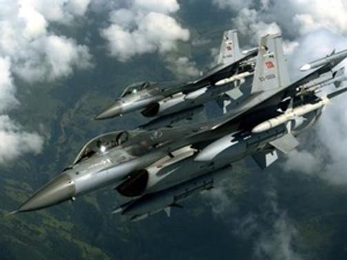 Türk jetlerine Suriye'den 'taciz'