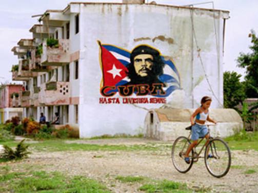 Küba ambargosu ABD'li turisti durduramadı