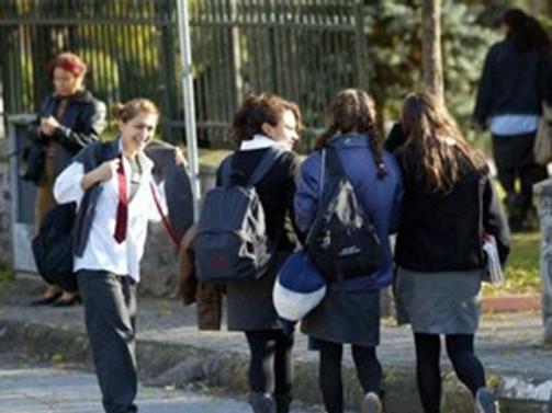 Nakil isteyen 9. sınıf öğrencisine yoklama yok