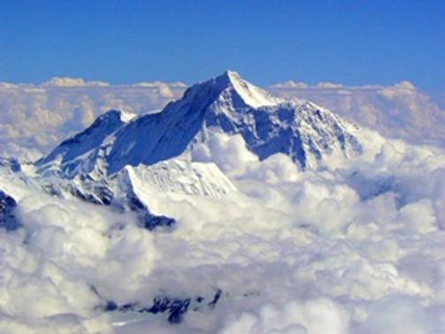 Everest'te ölü sayısı 13'e yükseldi
