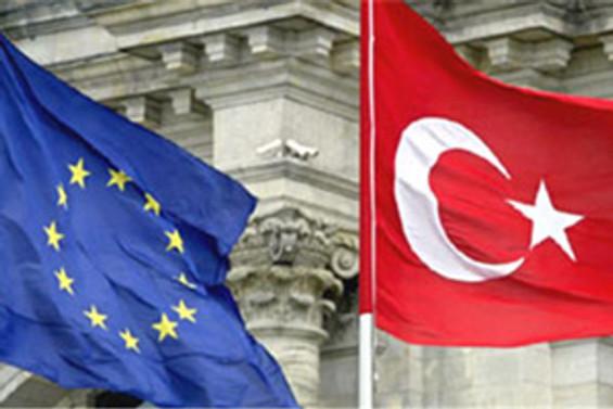 AB: Türkiye yüzde 7,5 büyür