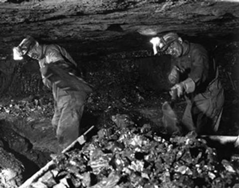 İşten çıkarılan 500 madenci eylem yaptı