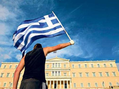 Yunan halkı hayatından memnun değil
