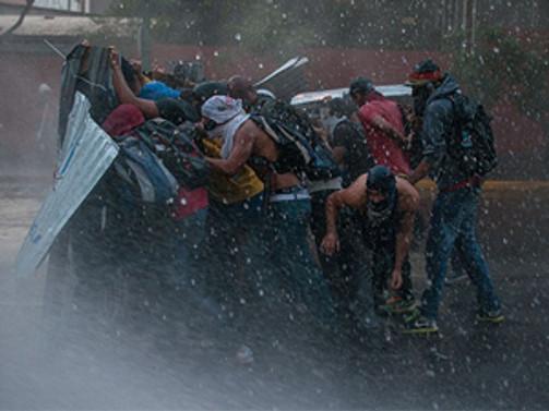 Venezuela'da bir öğrenci lideri öldürüldü