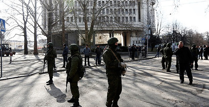 Kırım'daki Ukrayna üssüne saldırı: 1 ölü