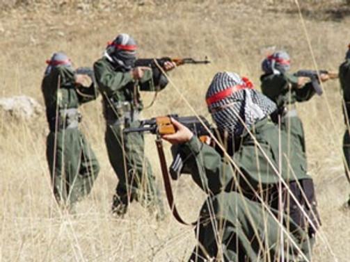 Teröristler askere taciz ateşi açtı