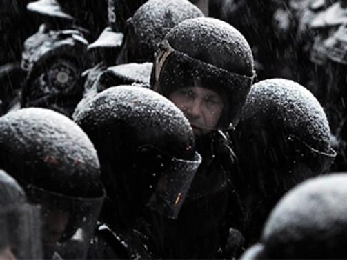 Ukrayna askerleri Kırım'dan çekiliyor