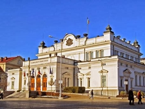 Parlamento, Plevneliev'in seçim vetosunu reddetti