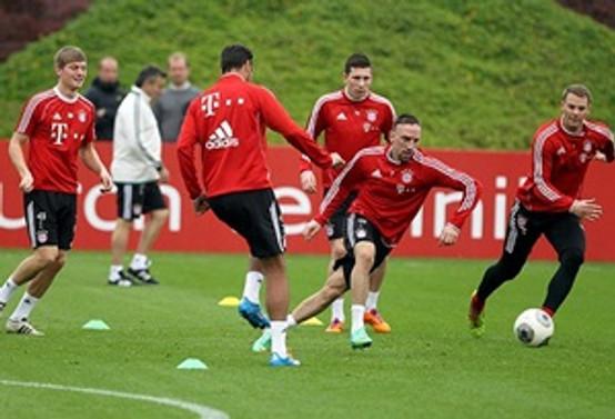 Bayern Münih zirveyi korudu