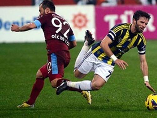 Fenerbahçe'nin otobüsüne saldırı