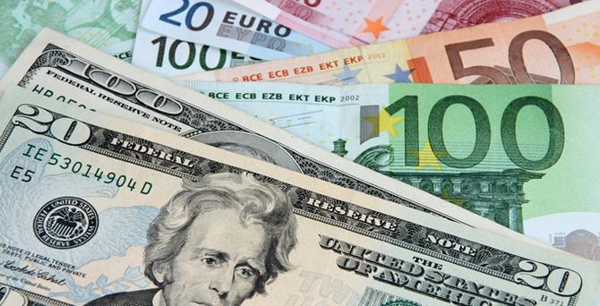 Euro/dolar 1,5 ayın dibinde