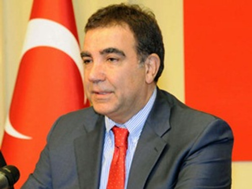 """""""AKP sosyal medyayı kapatmak istiyor"""""""