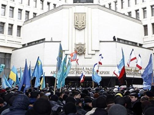 Ukrayna Kırım Parlamentosu'nun yetkilerini aldı