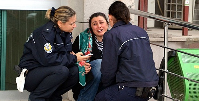 Yaralı polis memuru şehit oldu