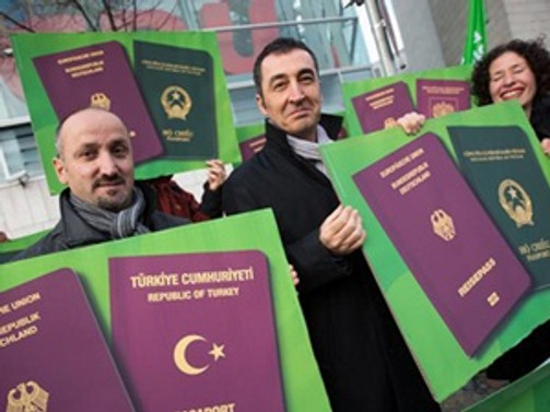 Şartlı çifte vatandaşlığa tepki