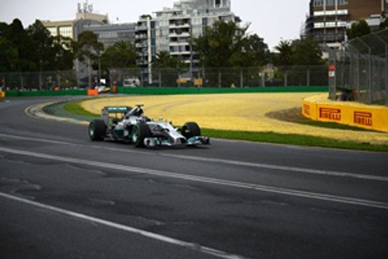 Avustralya'da günün en hızlısı Hamilton