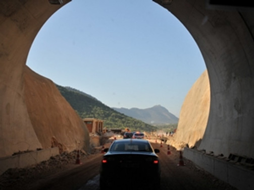 Antalya - Mersin arası yolculuk 3 saat kısalacak!