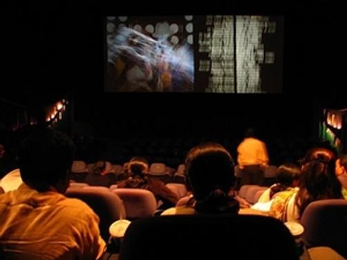 Türk seyircisi Türk filmlerine ilgi gösteriyor