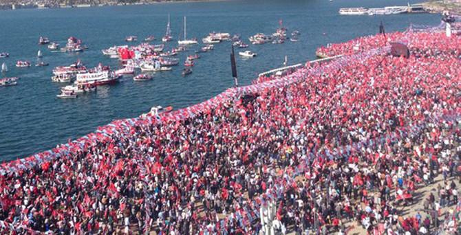İzmir'de CHP izdihamı