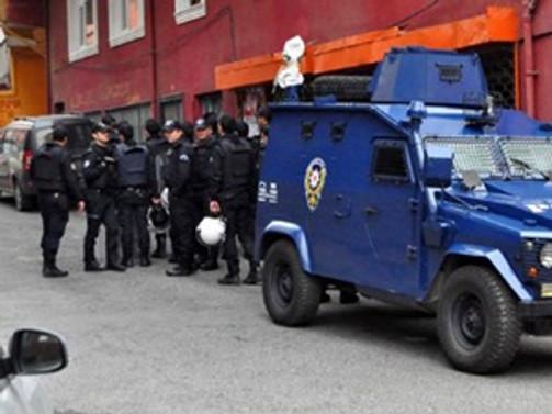 """İstanbul'da 400 polisli """"bonzai"""" operasyonu"""