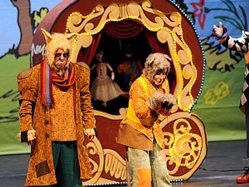 Pinokyo'nun müzikali Antalya'da sahnelendi