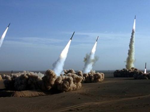 Kuzey Kore'nin iki füze fırlattığı iddia edildi