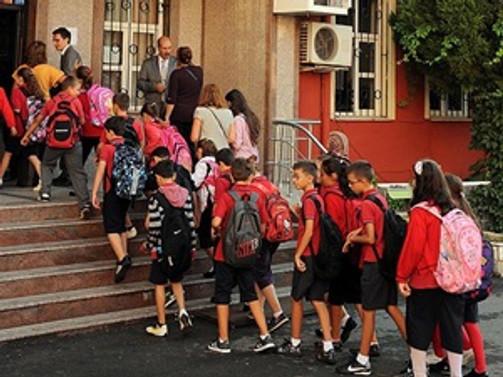 Başarılı öğrencilerin yaz tatili Türk Kızılayı'ndan