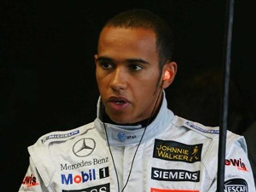 Japonya'da Hamilton kazandı