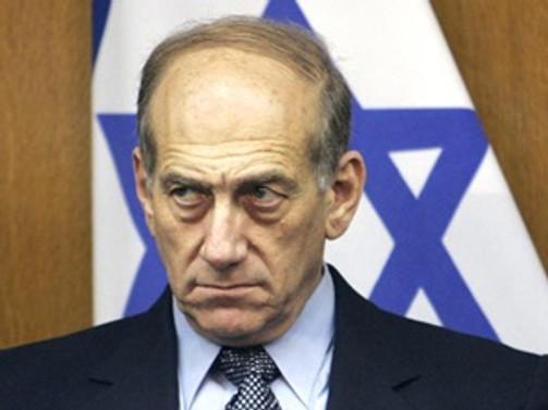 Eski İsrail başbakanı rüşvetten suçlu bulundu