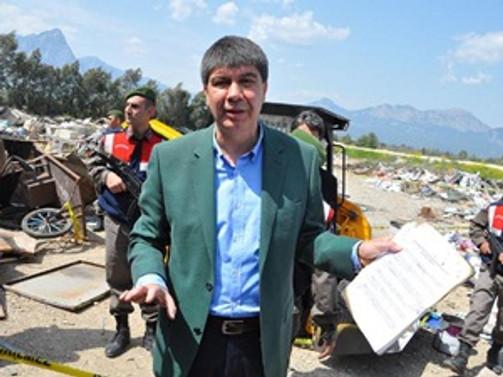 Antalya'da 'belediye evrakları yakıldı' iddiası