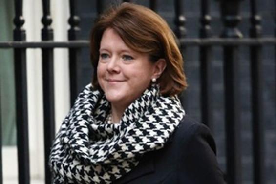 İngiltere: Yolsuzluk tartışmaları istifa getirdi