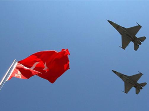Türk jetlerine taciz