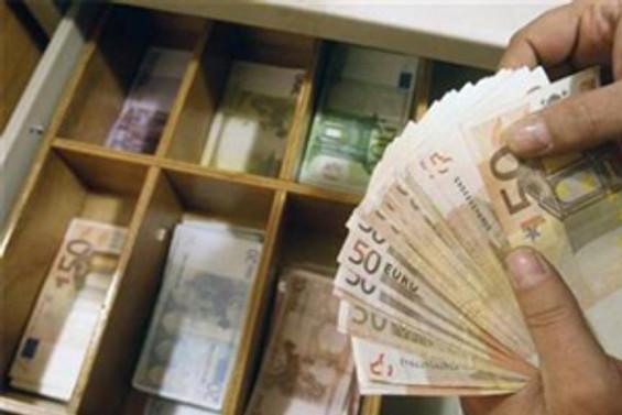 DB, 931 milyon euroluk krediyi onayladı
