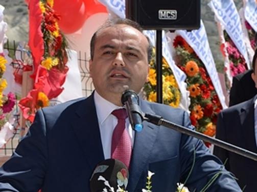 AK Parti kampında kalp krizi geçirdi