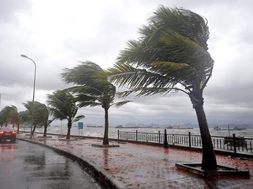 California şiddetli fırtına ve yağışa teslim