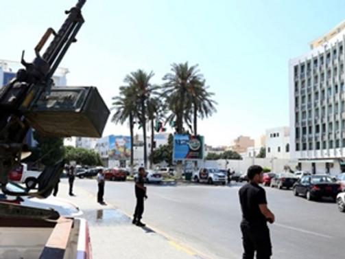 Libya'da Türk konsolosluğu faaliyetlerini durdurdu