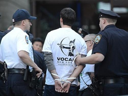 """""""Wall Street'i işgal et"""" eylemine 90 gün hapis"""