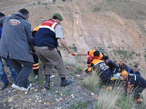 Madencileri taşıyan kamyonet devrildi: 4 ölü