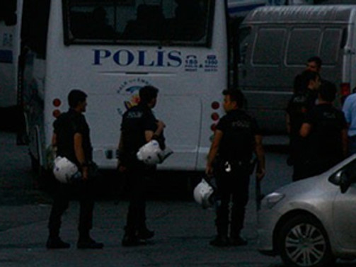 Sultangazi'de operasyon: 15 gözaltı