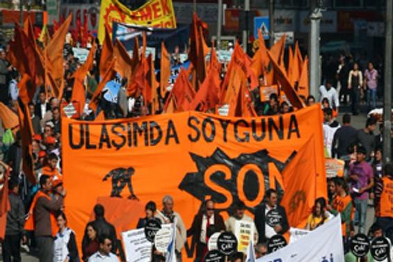 Ankara'da ulaşım ücretlerine protesto