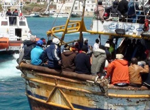 İtalya kıyılarında kaçak göçmen akını
