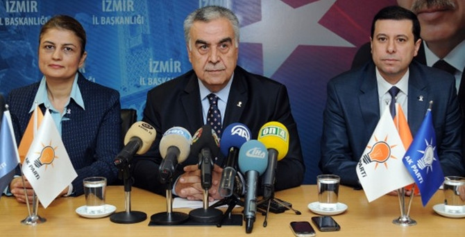 AK Parti İzmir İl yönetimi istifa etti