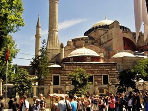 İstanbul'a gelen turist sayısı yüzde 13 arttı
