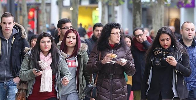 Almanya'da çifte vatandaşlık tasarısı görüşülüyor