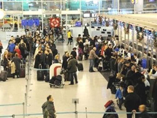 Havayolu yolcu sayısındaki artış sürdü